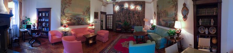 Tea room at Hotel Tornabuoni Beacci.