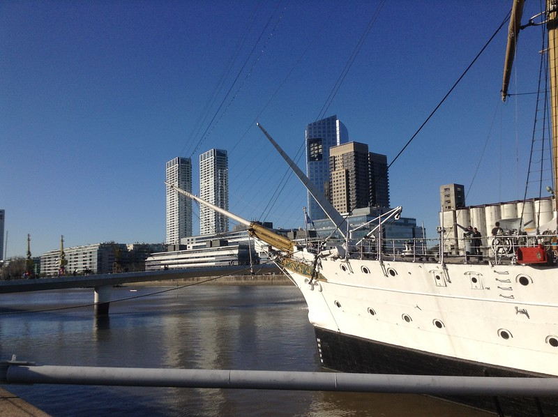 The bow of the fregata.