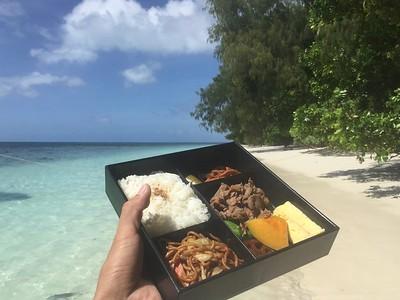 沙灘午餐時間