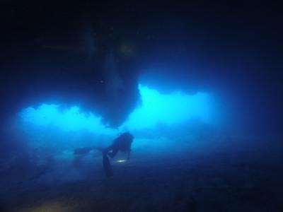 Dive 2 潛點:Siaes Tunnel