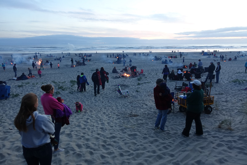 Manzanita fireworks watchers