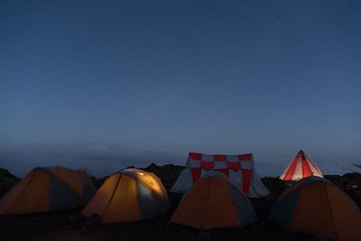 Dawn's earliest light and the night's latest stars, at Shira II.