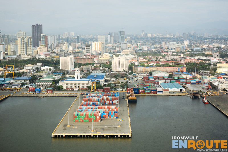 Sightseeing Manila from above