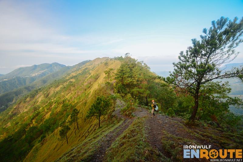 Narrow ridge trail to Gungal