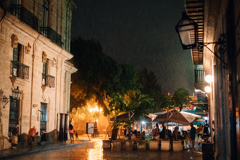 A sudden shower - Plaza de Armas, Havana, Cuba, November 2017