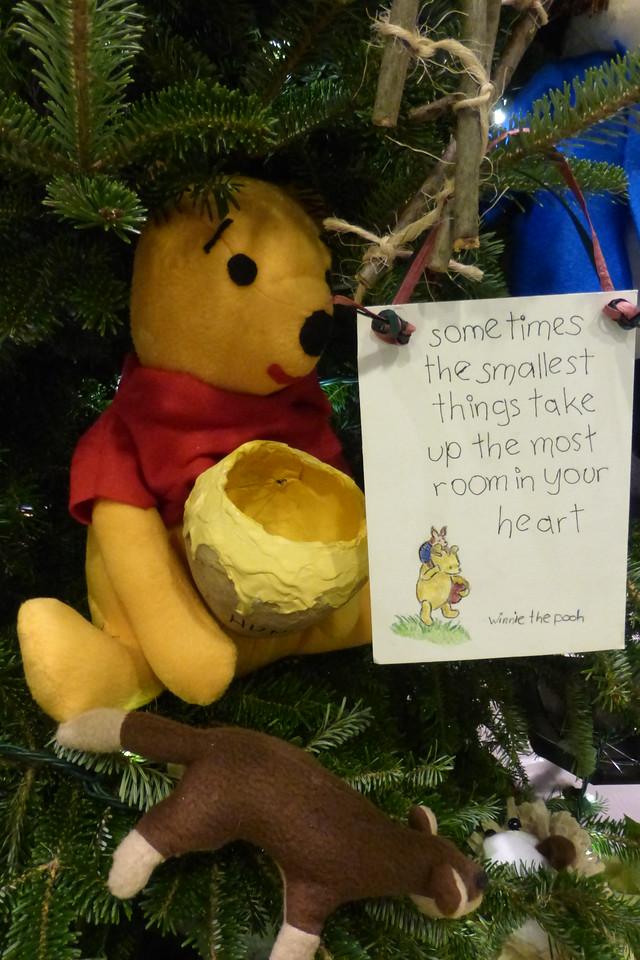 100 Aker Wood Tree - Pooh