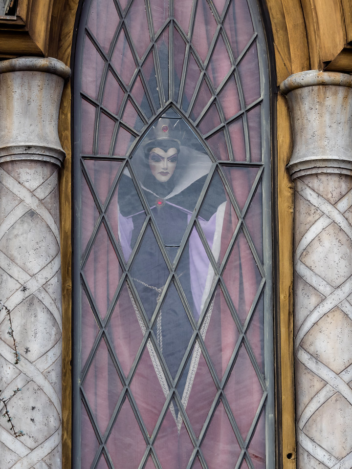 Evil queen overlooking the Snow White ride