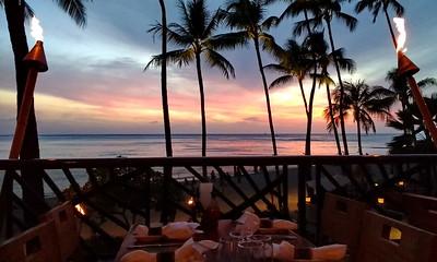 Waikiki Outrigger, Hula Grill