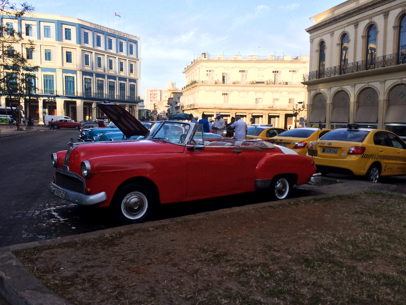 Taxis on Parque Central