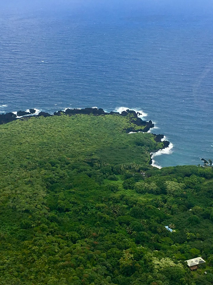 Helicopter trip to Hana