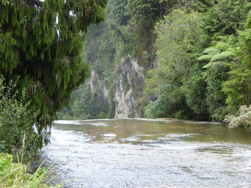 The backside of Omaru Falls