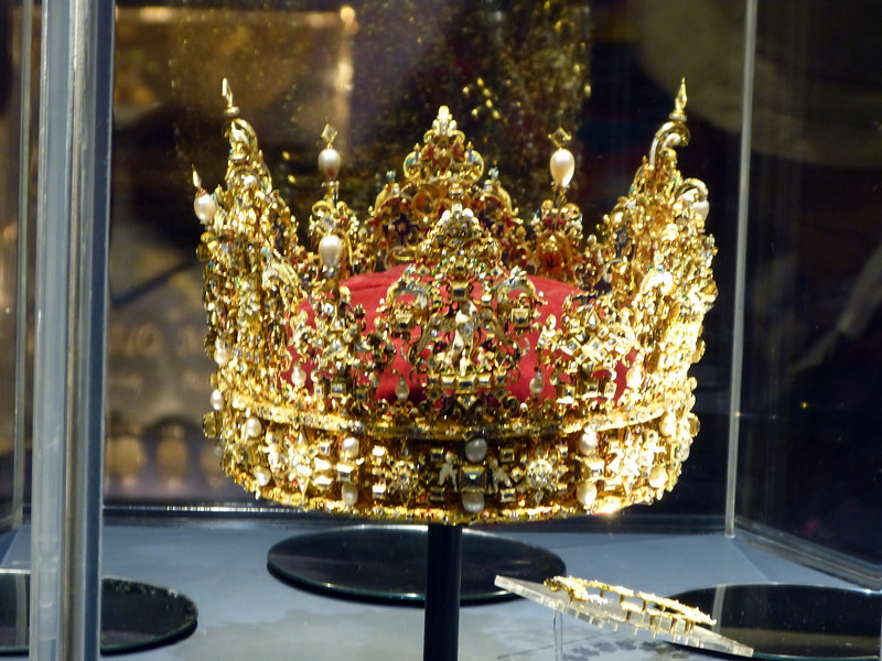 Denmark's crown jewels<br /> <br /> The crowns of the Danish kings and queens are kept in special vaults and are embellished with table-cut stones, enamel and gold ornamentation.<br /> <br /> The crown jewels primarily consist of four garnitures: a diamond set, a ruby set, a pearl set, and an emerald set – the emeralds being among the world's finest.