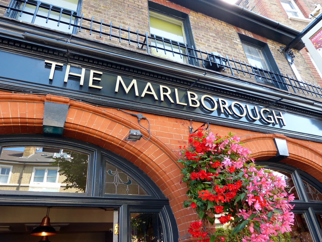 Lunch at the Marlborough Pub @ Richmond.