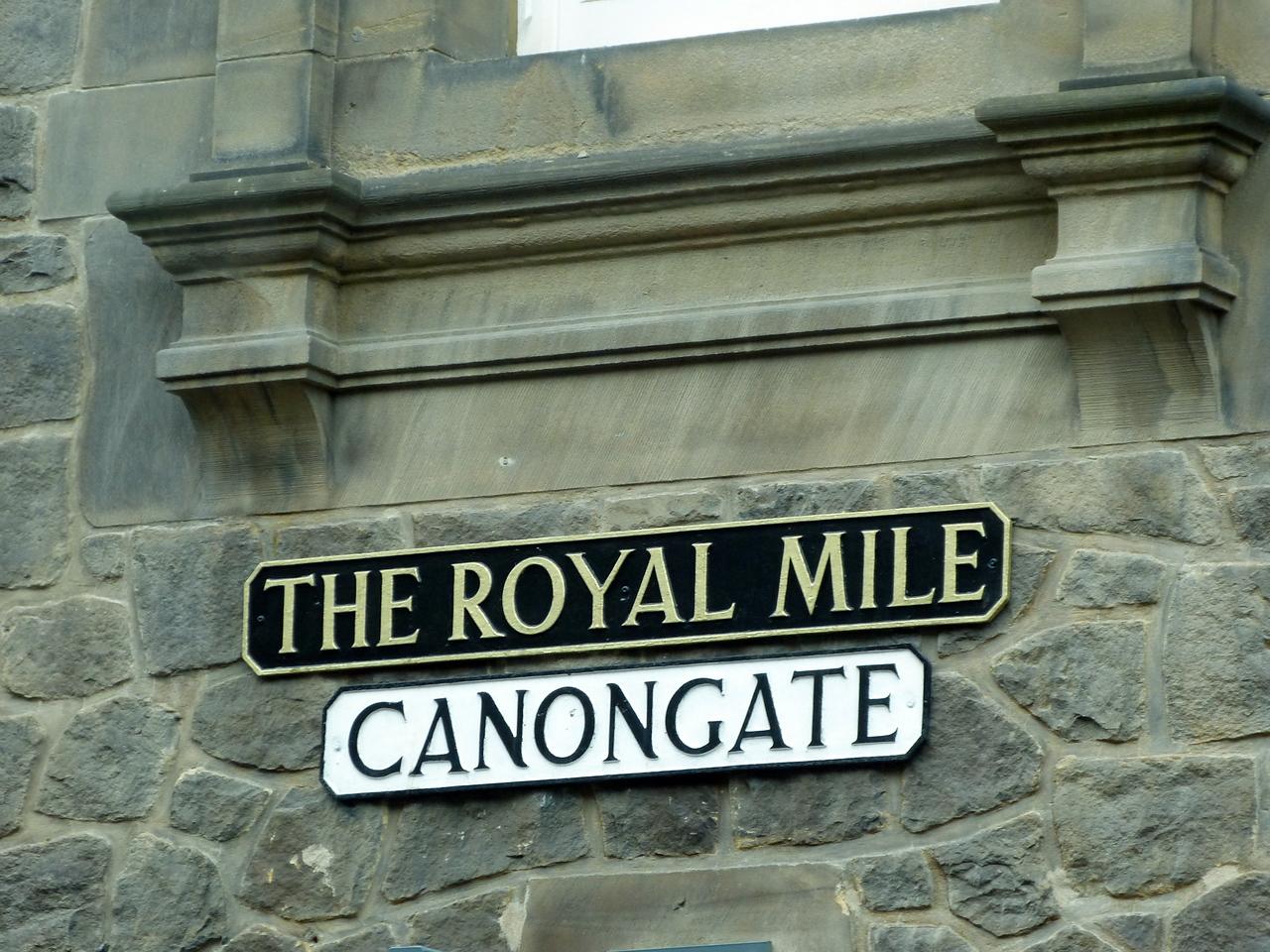 Canongate.