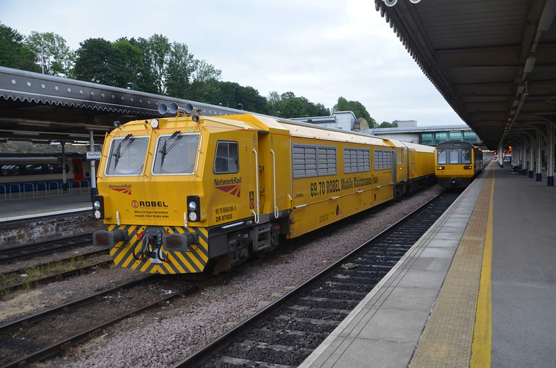 DR97805 stands at Sheffield after carrying out track maintenance nearby overnight. The Mobile Maintenance Train allows infrastructure work to be carried out inside the middle vehicle of the machine. This is more cost effective , safer for workers, less time consuming before and after the possession work takes place. Fri 02.06.17