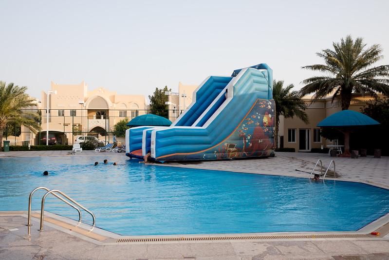 Bazén v compoundu