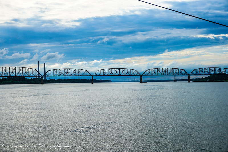 Moving on toward the convergence of the Ohio and Mississippi Rivers