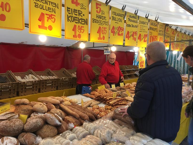 Saturday farmer's market in Delft.