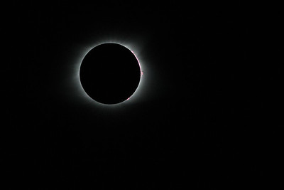 Totality! Half the shutter speed of the prior photo - and only 14 seconds later - note the coronal flares. Total Solar Eclipse 2017, viewed from Lake Keowee South Carolina.