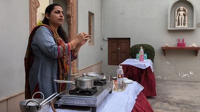 Cooking demonstration in Agra - making paneer, puri, and kassa paneer.
