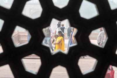 A family visits Humanyun's tomb, Delhi.