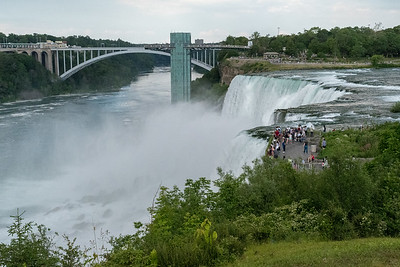 "View of the ""American Falls"" and the bridge to Canada at Niagara Falls."