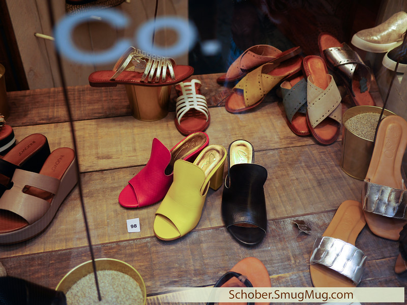 window shopping in Lucca