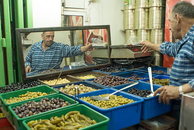 Olive Stand.  Muslim Quarter. Jerusalem. Nov 2018. Photo by Weldon Weaver.