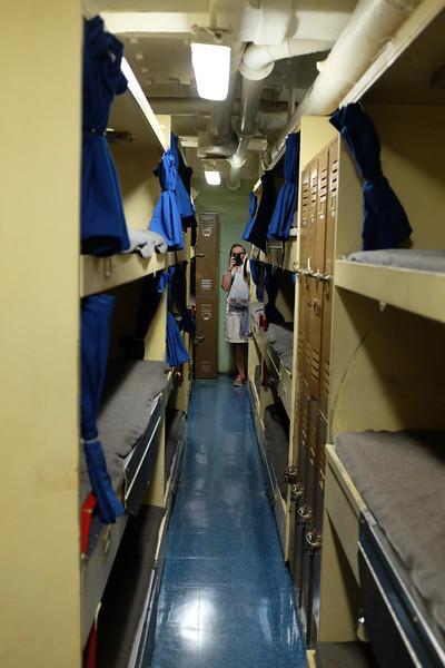 Uss Missouri, Pearl Harbour. Sailors bunks.