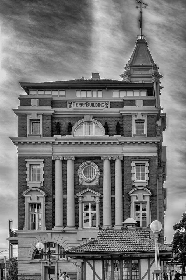 """2018-03-10 Old Ferry building, Auckland. """"Completed in 1912 on reclaimed land out of sandstone and brick with a base of Coromandel granite,"""""""