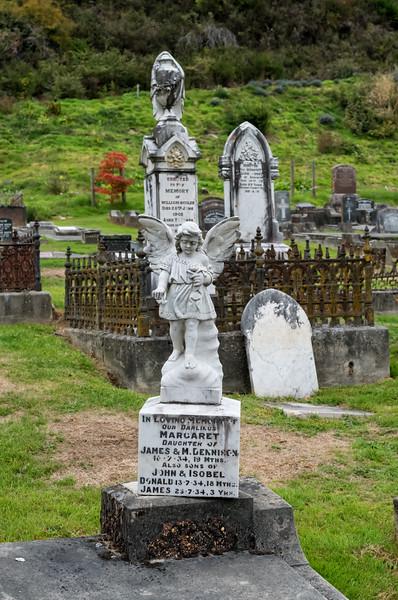 2018-03-21 Cemetery, Arrowtown, New Zealand, near War Memorial