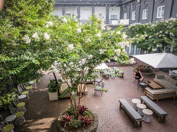 Kempton Inn, Savannah, GA, a secret garden for guests