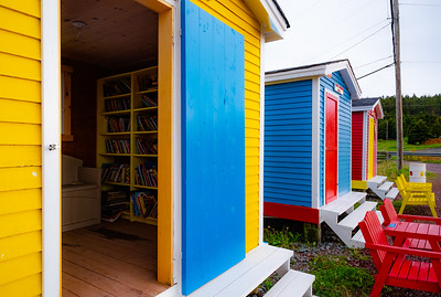 Yellow structure at Cavendish Beach is a Memorial Children's Library. The other two structures are a small local artifacts collection/museum, and a Fishermen's Memorial.