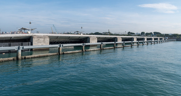 The marina barrage - a seawall separating bay from sea - Singapore
