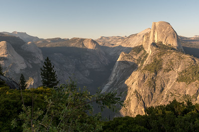 Halfdome and Yosemite Valley from Glacier Point.