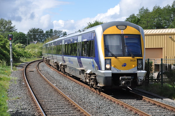 3020 arrives at Ballymoney, 1038 Derry ~ Londonderry / Great Victoria Street. Sat 11.05.19