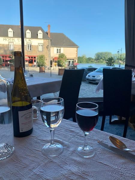 Dinner in Combourg: so lovely!