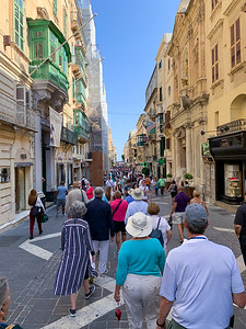 Throngs of tourists on Republic Street in Valleta, Malta.