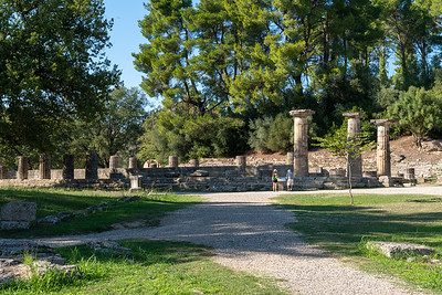 The ruins of the temple of Hera.