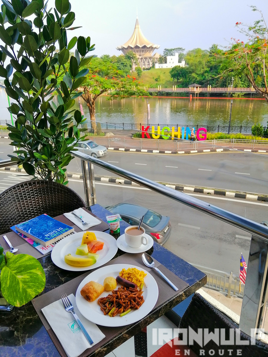 Al fresco breakfast dining at Sape Restaurant