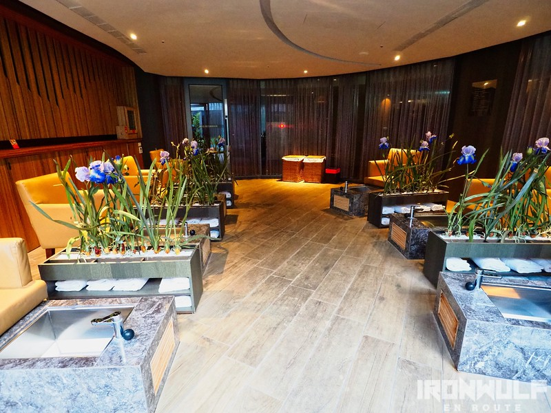 Stay | In Sky Hotel: At the Heart of Fengjia Business District