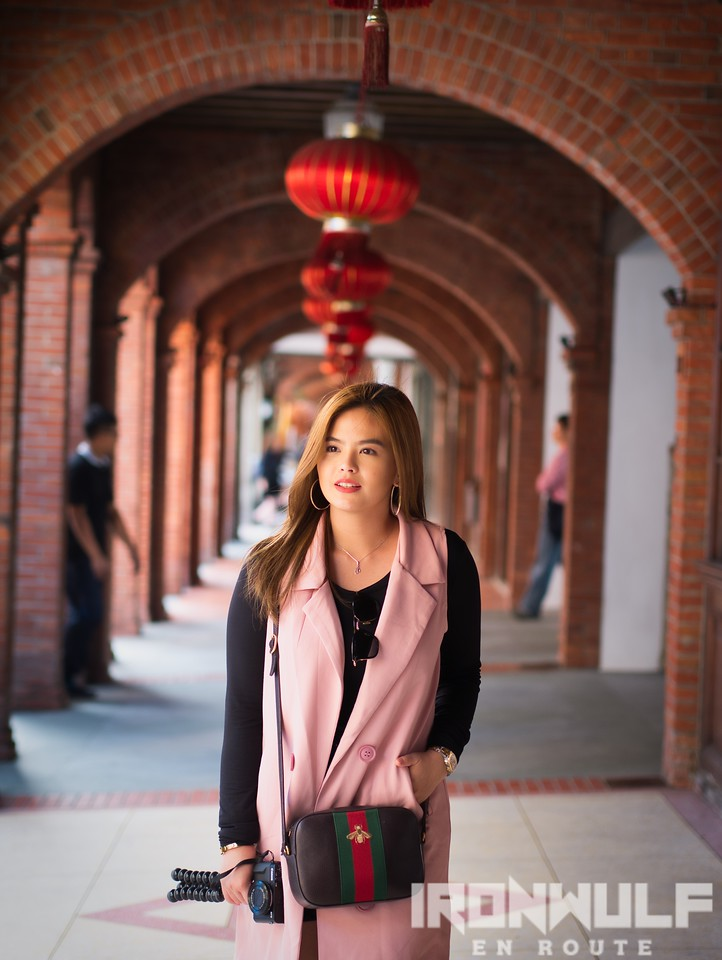 GMATV actress and host, Bea Binene, with the scenic hallway at Dadaocheng