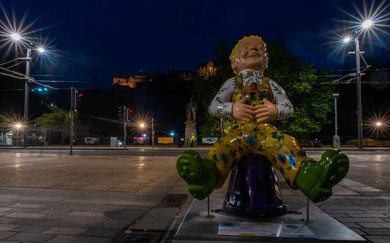 """Flower of Scotland"" Oor Wullie on Castle Street - Edinburgh (August 2019)"