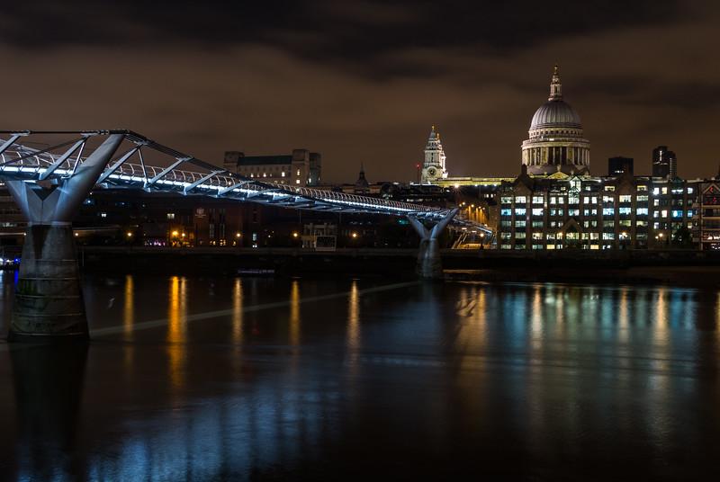 Millenium Bridge & St Pauls Cathedral - River Thames - London (October 2019)