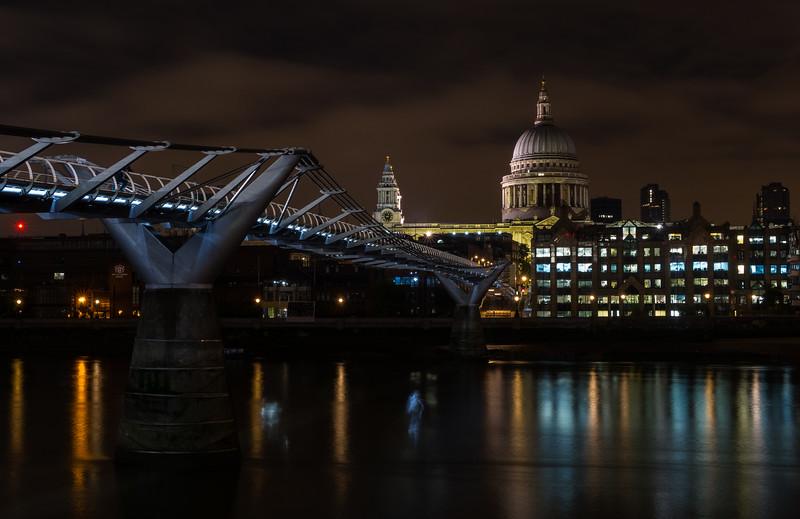 Millenium Bridge & St Pauls Cathedral - River Thames - London (October 2019)