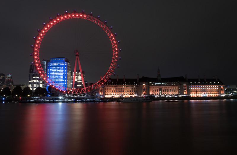 London Eye & London Aquarium from Embankment - River Thames - London (October 2019)