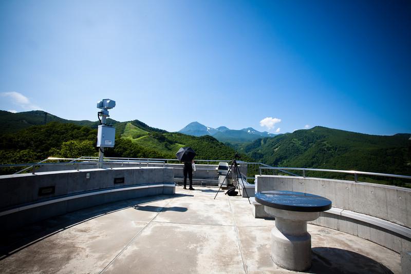 羅臼の展望台から。振り向けば知床の山並みも見える - Shiretoko, Hokkaido, July 2010