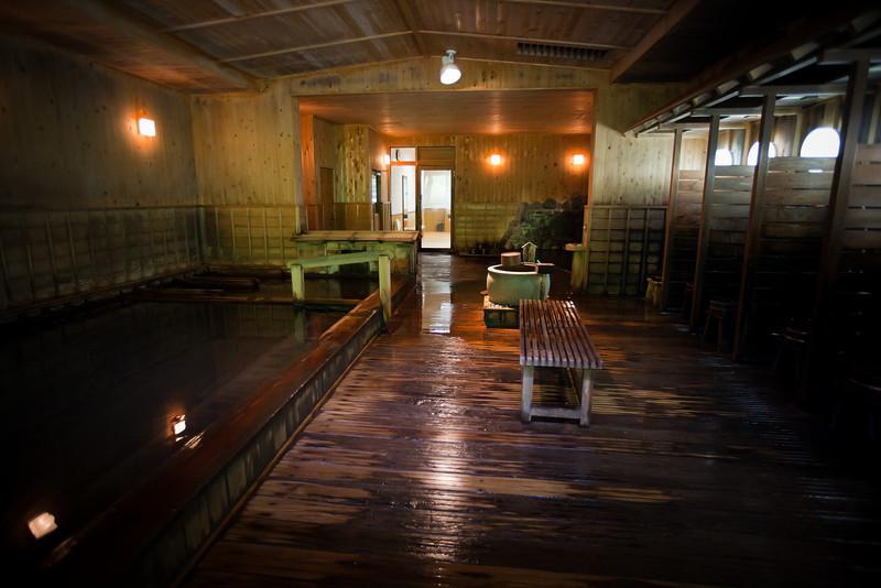 養老牛温泉だいいち露大浴場 - Yoroushi Spa, Hokkaido, July 2010