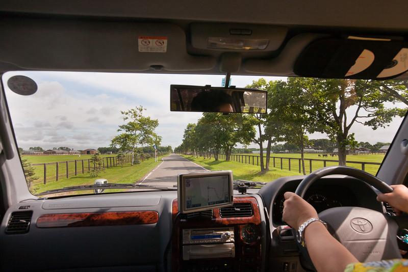 千歳空港から正楽寺への道中。馬牧場(っていうんだっけ?)- Hokkaido, July 2010