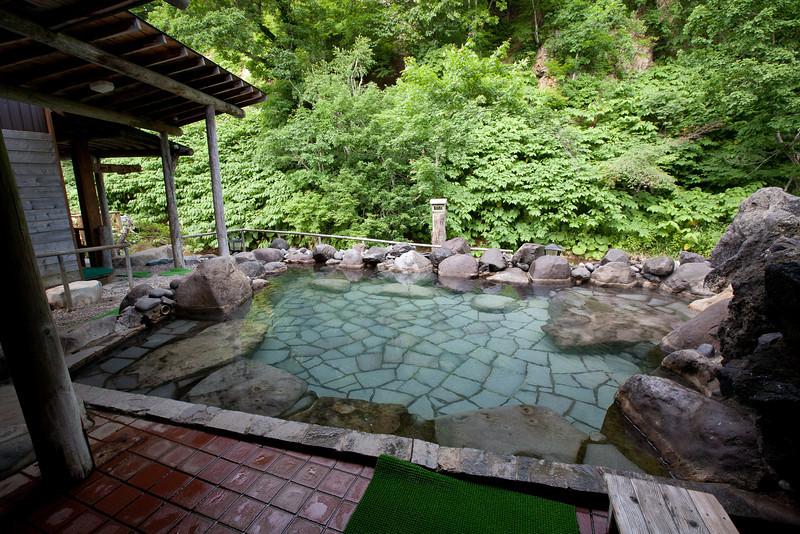 養老牛温泉だいいち露天風呂 - Yoroushi Spa, Hokkaido, July 2010